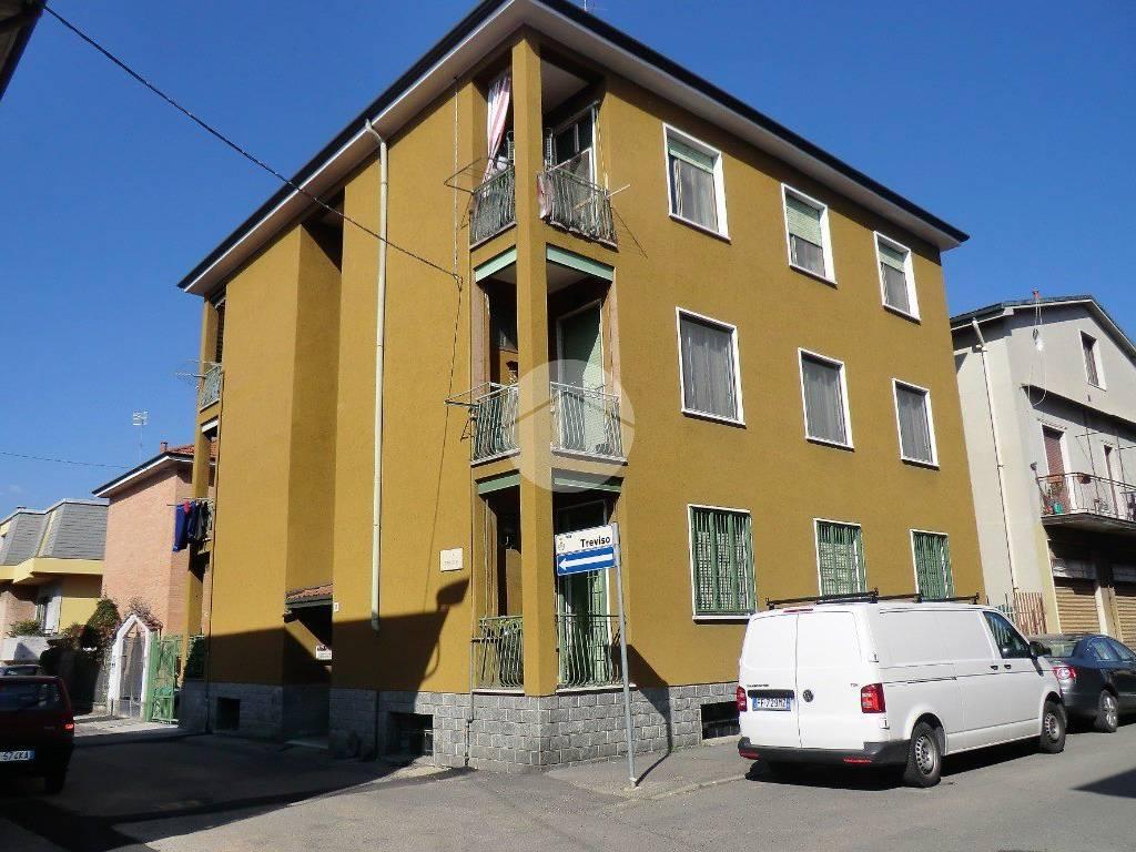 foto contesto 5 3-room flat via Treviso, Paderno Dugnano