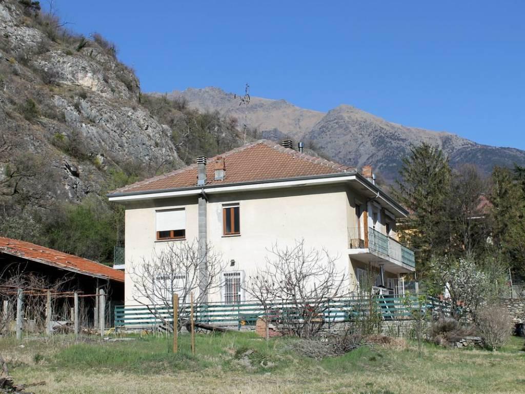 foto  Two-family villa Strada Camposciutto 19, Bussoleno