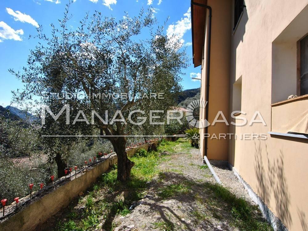 foto pt Villa bifamiliare, nuova, 200 mq, Dolceacqua