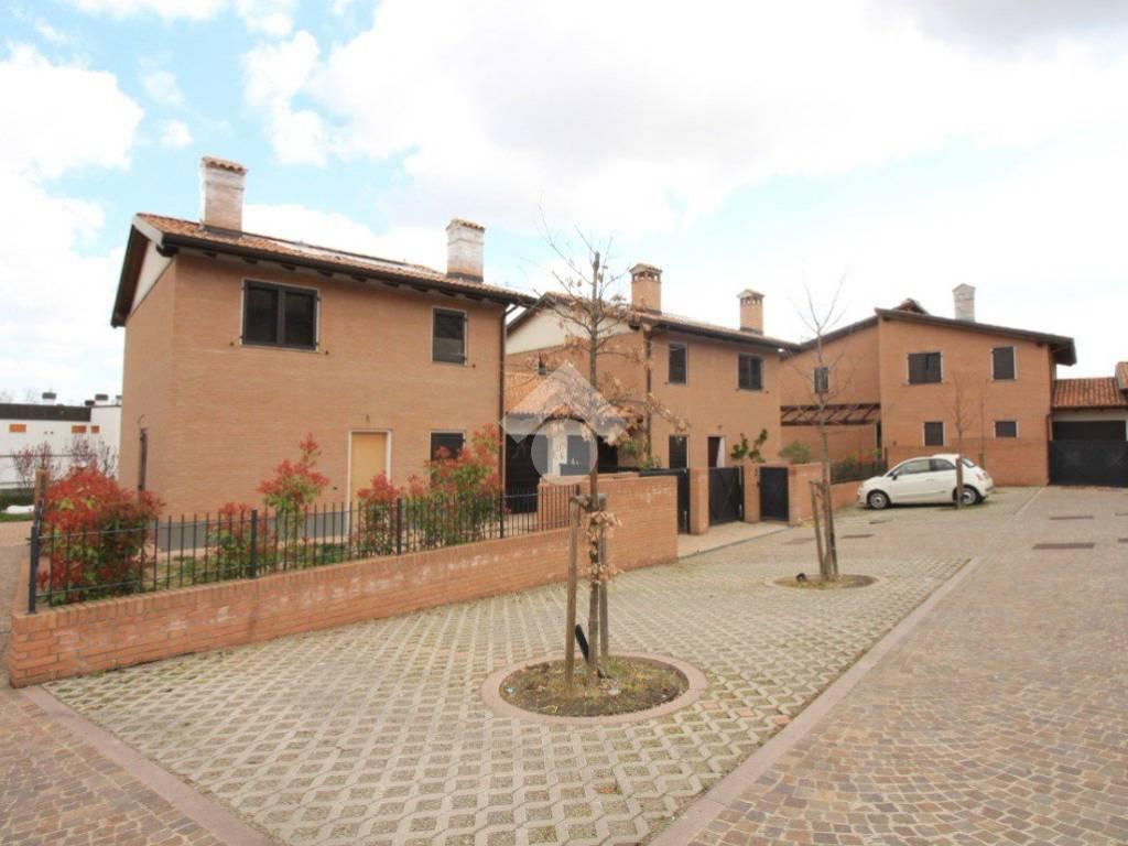 foto  Villa unifamiliare via San Martino, Monte San Pietro