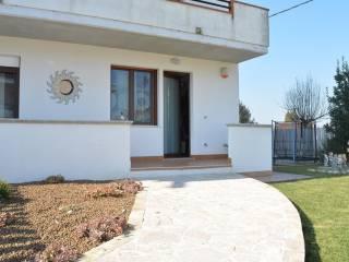 Photo - Two-family villa via Po 21, Moscufo