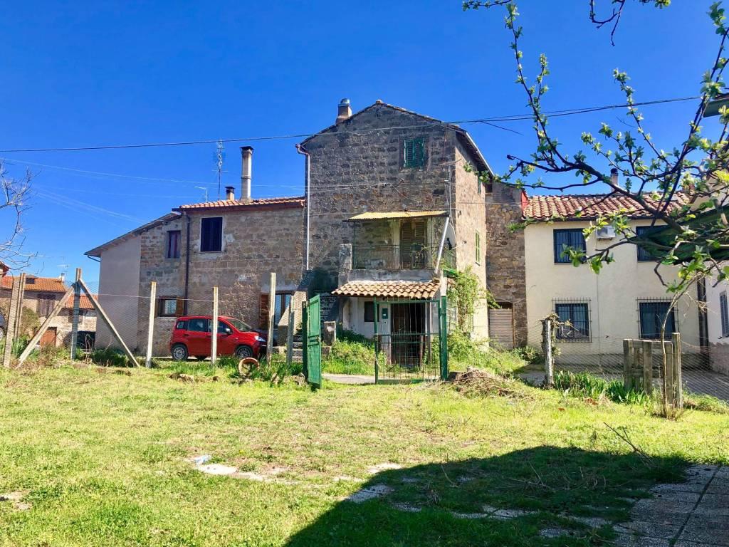 foto  Casale Strada dei Mecarelli, Vetralla