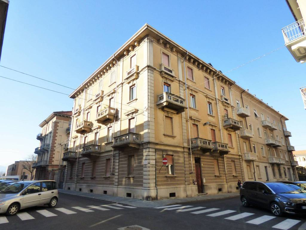 foto palazzo 4-room flat via Antonio Meucci 8, Cuneo