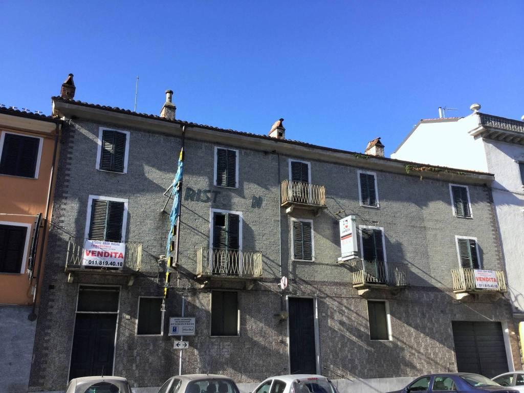 foto Facciata Stabile su Via Detached house via Indipendenza, Poirino