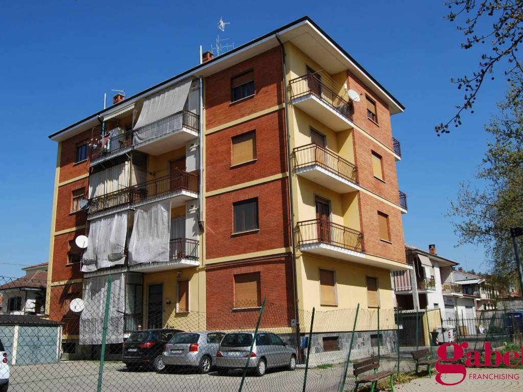 foto Facciata 3-room flat via Mercantini, Bra