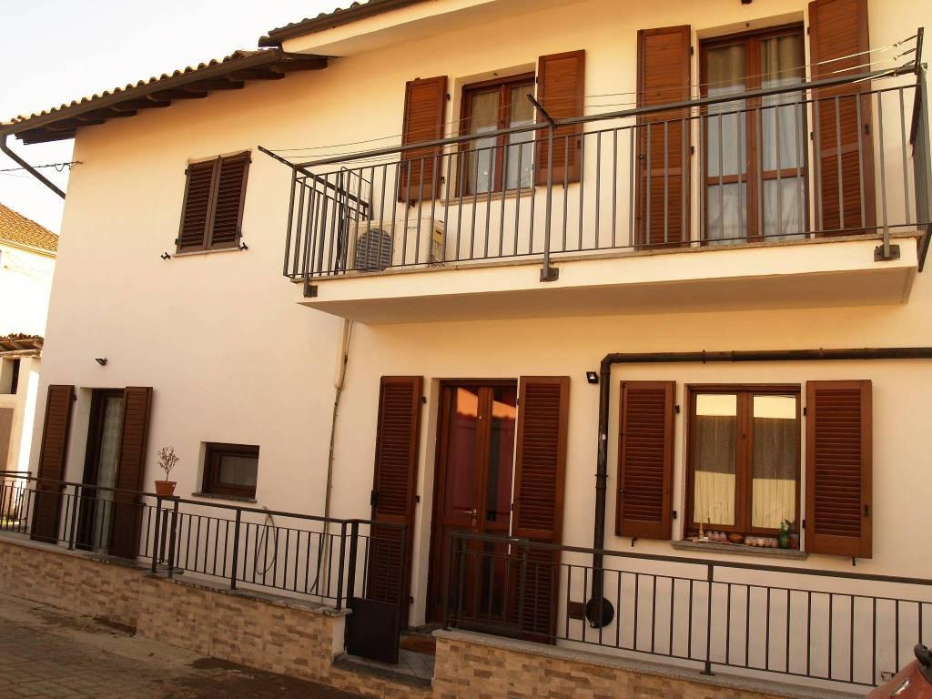 foto Facciata interna Villa unifamiliare via Boranchio, Borgo Vercelli