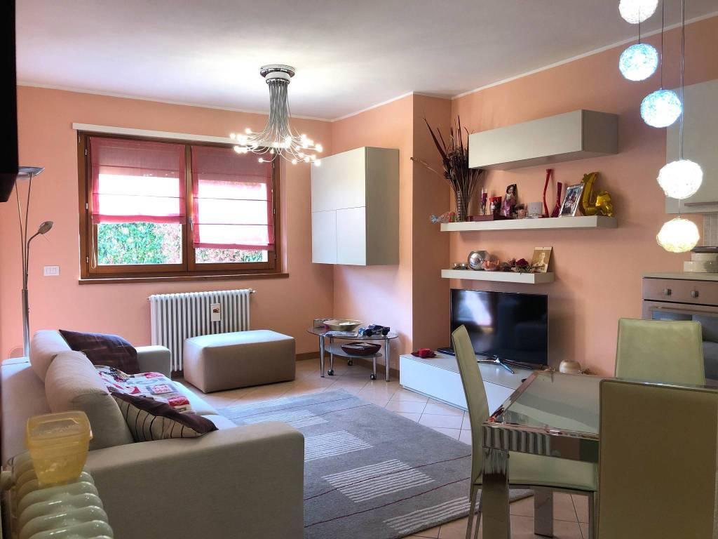 foto SOGGIORNO 3-room flat via Meriggio, Sondrio