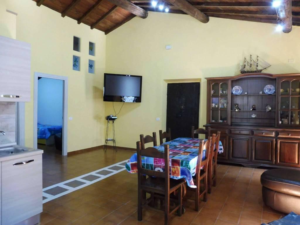 foto salone Trilocale piazza Umberto I 0, Supino