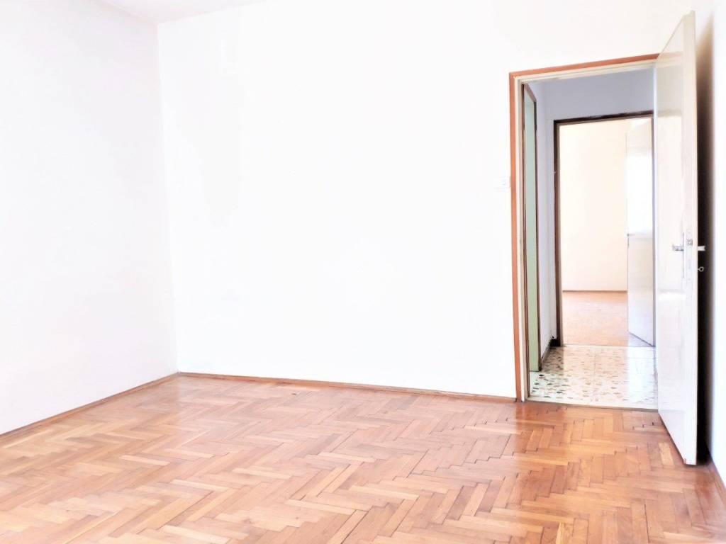 Camera Matrimoniale A Treviso.Vendita Appartamento Treviso Bilocale In Vicolo Monte Piana Primo