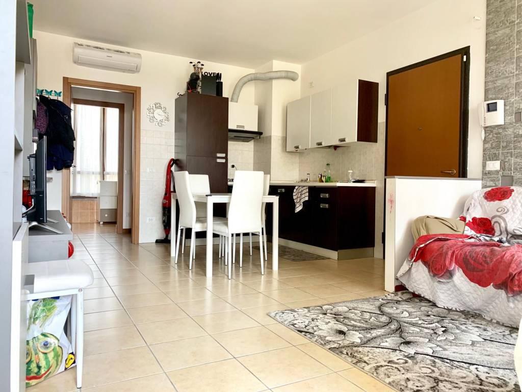 foto SALA 2-room flat via Cavallotti, Bubbiano