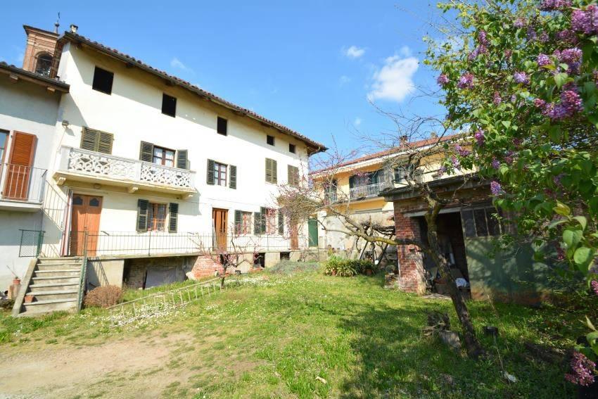 Foto 1 di Rustico / Casale Via Roma, Mombello Di Torino