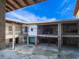 Photo - Dairy farm vicolo Algarotti, Calcinate