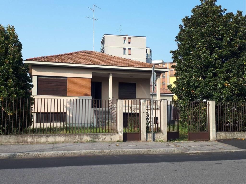 foto  Villa unifamiliare via Felice Cavallotti 114, Monza