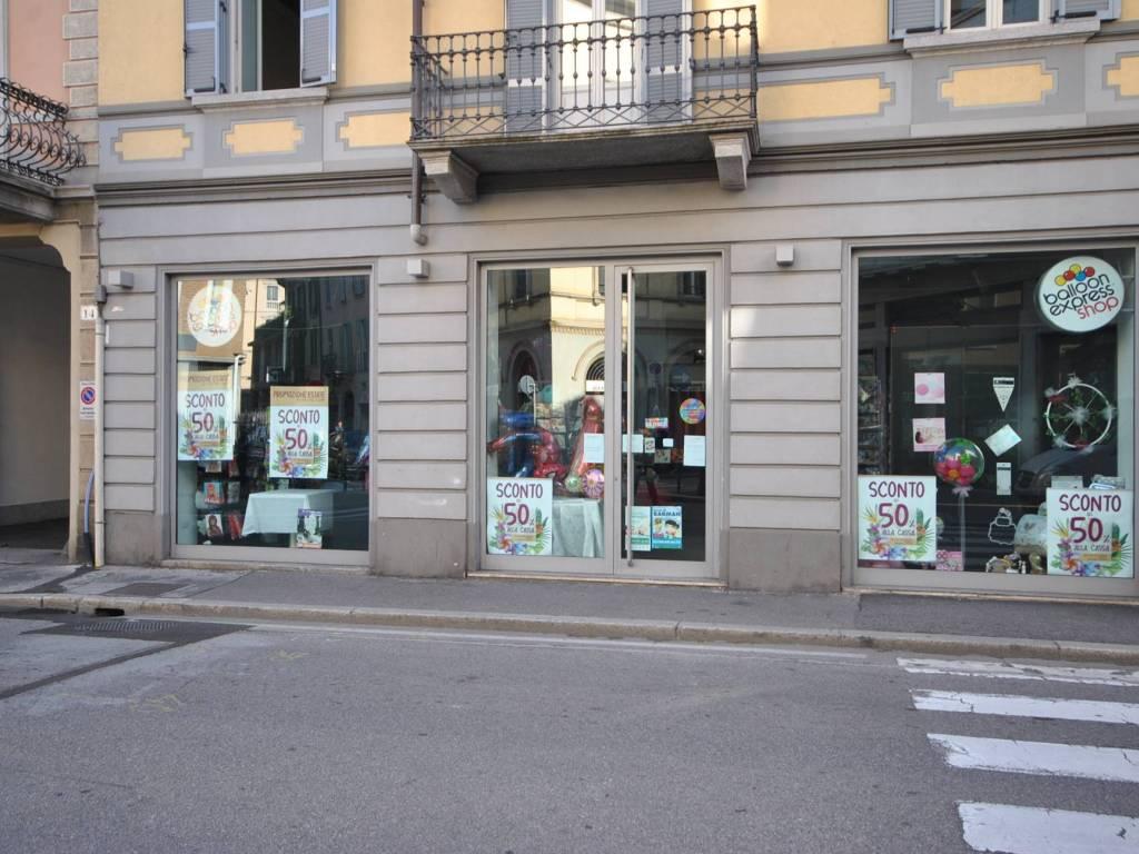 foto  Negozio in Affitto a Varese