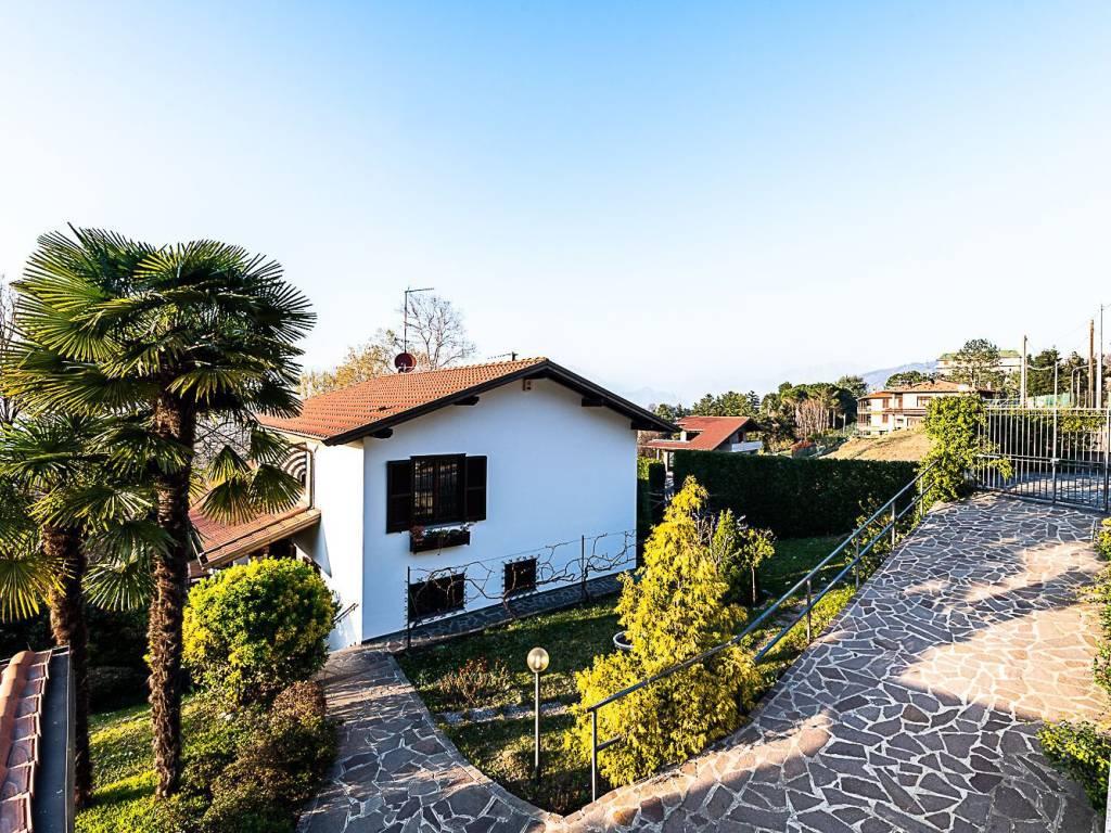 foto  Villa unifamiliare via Risorgimento 42, Sirtori