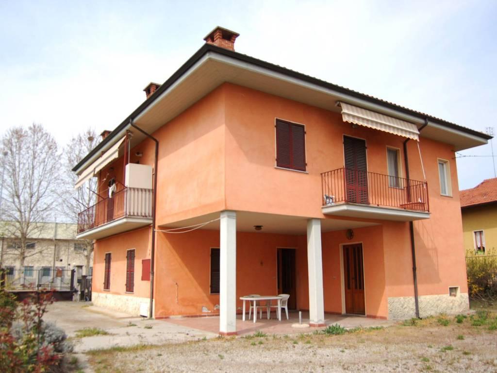 foto  Villa bifamiliare via Macallè, Fossano