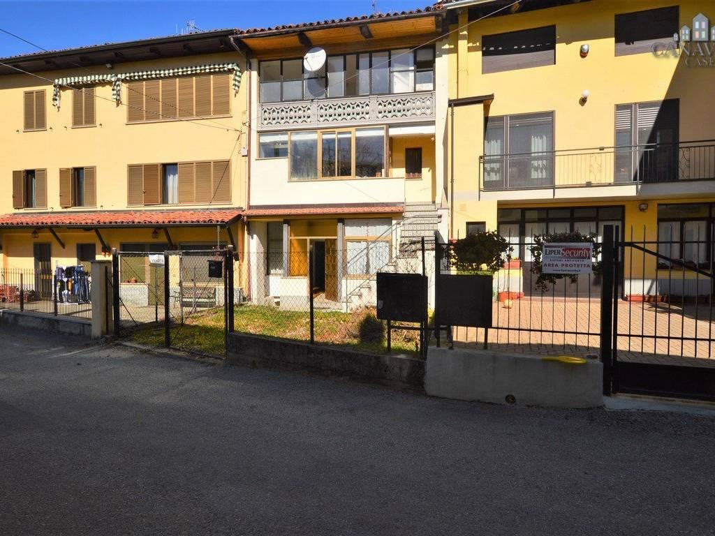 foto facciata Detached house via Ivrea 112, Quagliuzzo
