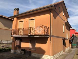 Photo - Building due piani, good condition, Palestrina
