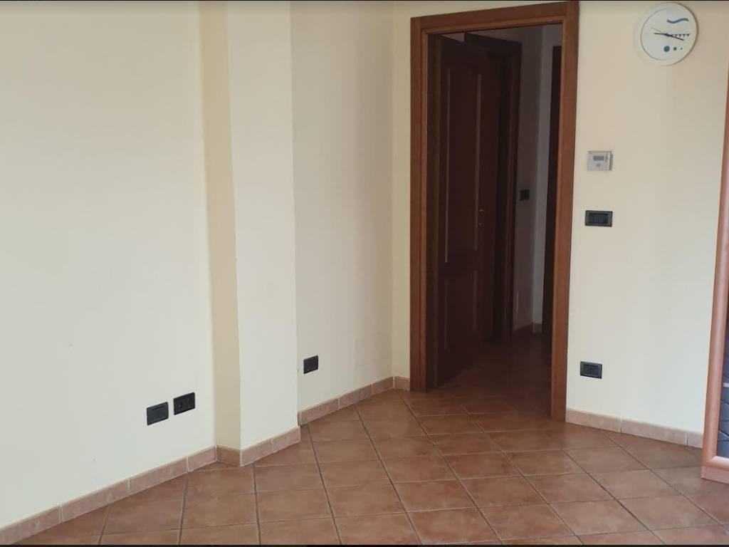 foto  3-room flat good condition, ground floor, Alba