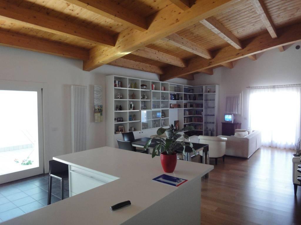 foto  Penthouse via Roma 13, Montebelluna
