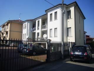 Foto - Monolocale via Mario Calvi 4, San Martino Siccomario