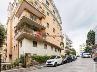 Foto - Appartamento via Archimede, Euclide, Roma
