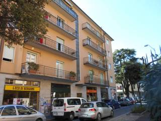 Foto - Trilocale via Vittorio Veneto 12, Sarnico