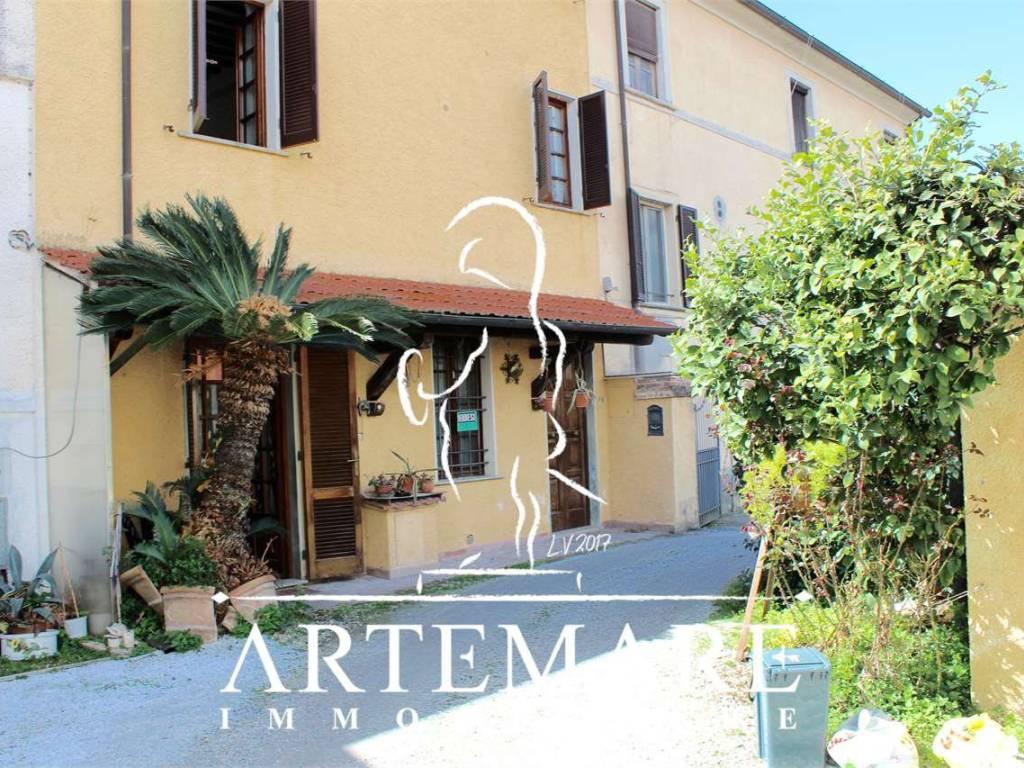 foto  Villa a schiera, buono stato, Pietrasanta
