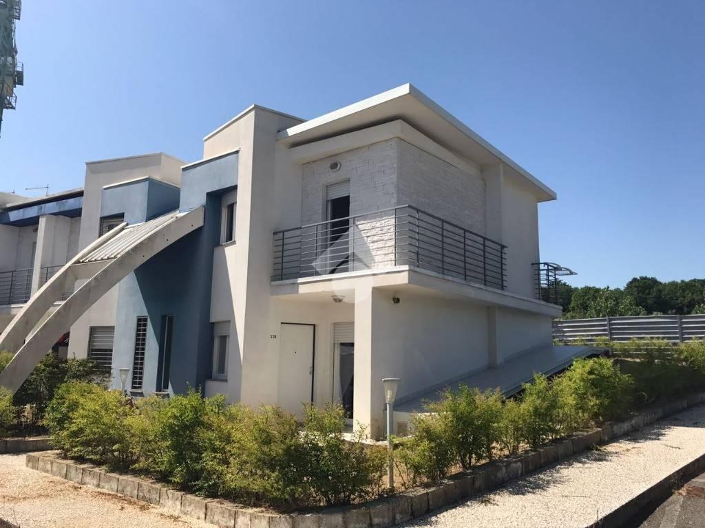 foto stabile Villa a schiera contrada rocchi, Rende