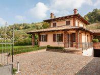Villa Vendita Diano d'Alba