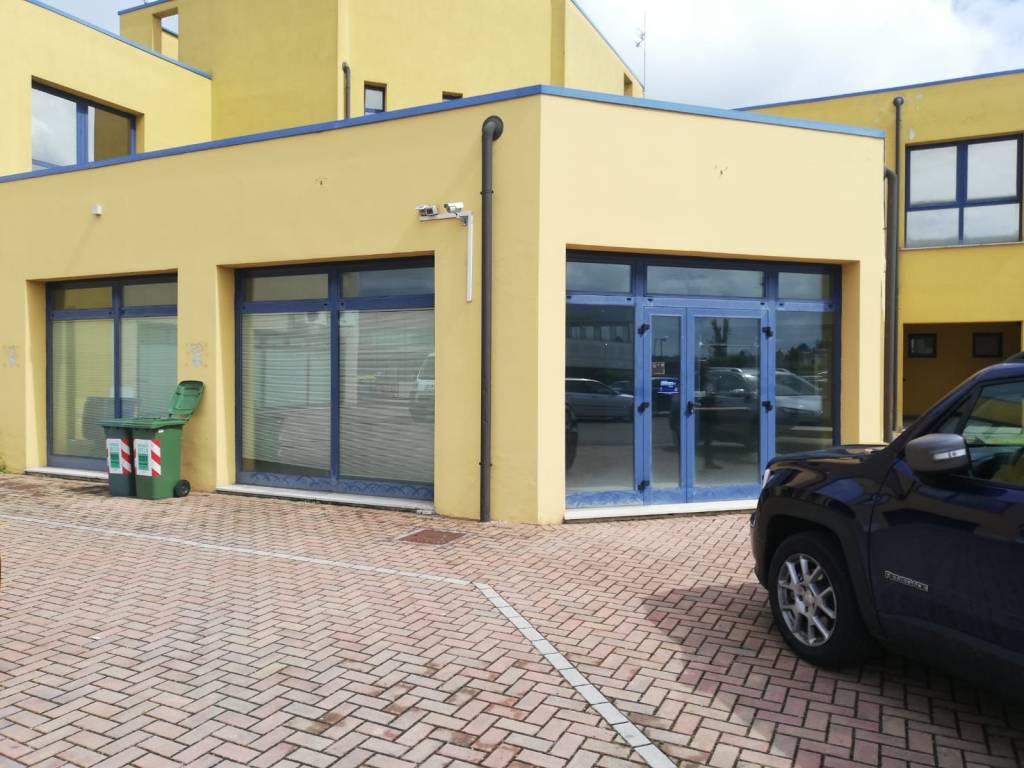 Ristorante Bagnolo San Vito : Immobile in vendita a bagnolo san vito rif  immobiliare