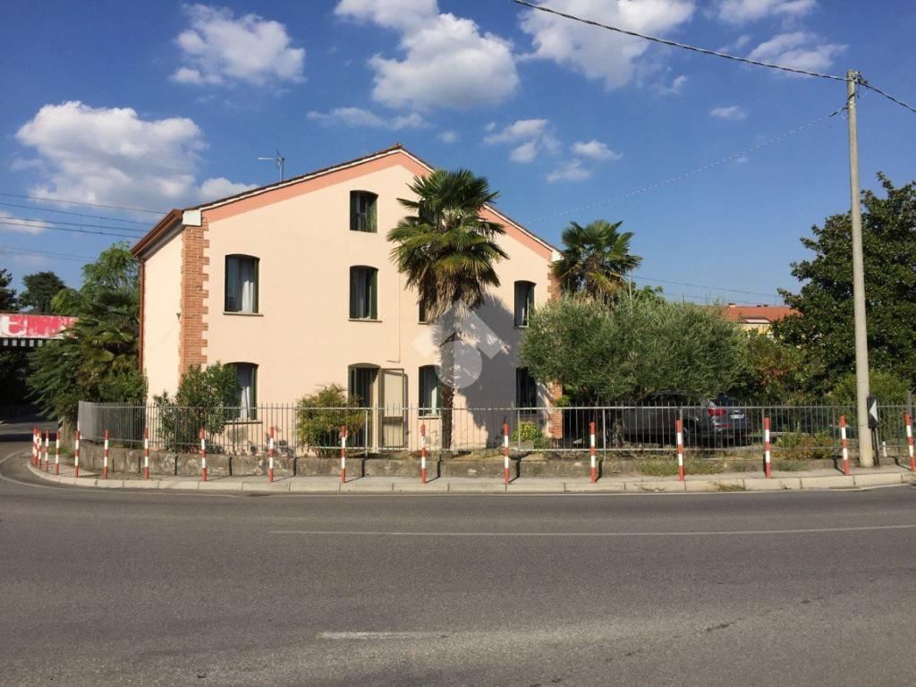 foto ESTERNO Detached house 289 sq.m., good condition, Este