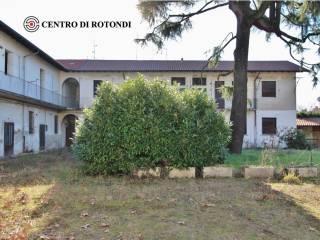 Photo - Building via Risorgimento 4, Cerro Maggiore