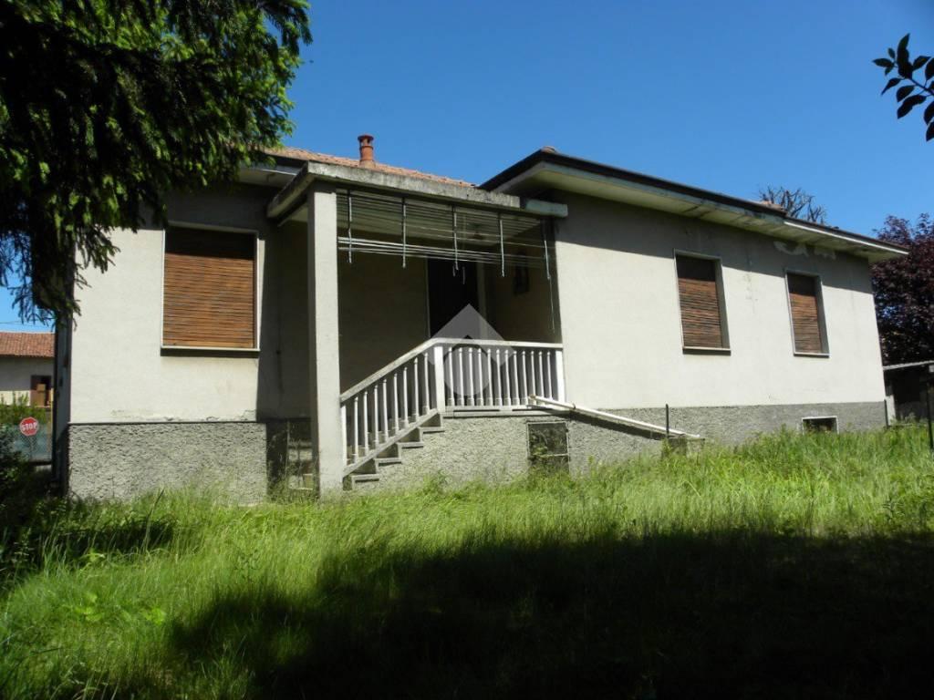foto  Single family villa via gallarate, Arconate