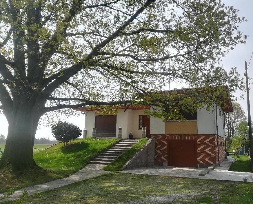 foto  Villa unifamiliare, buono stato, 422 mq, Vaprio d'Agogna