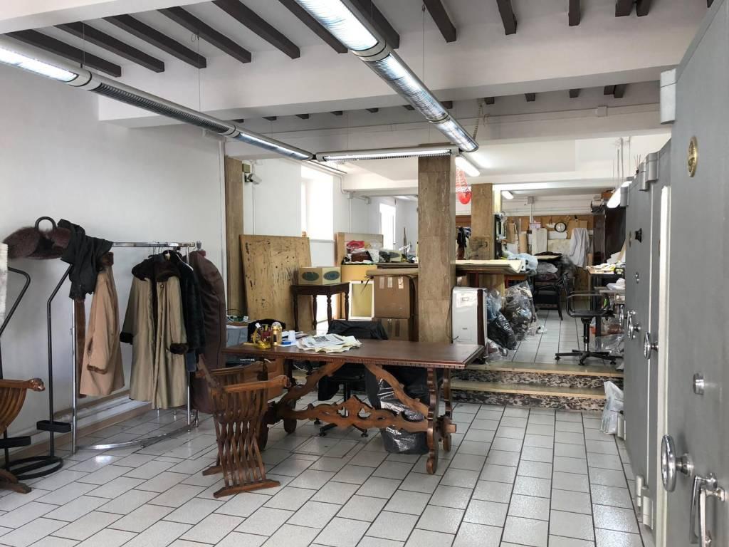 foto 1 Store for Sale