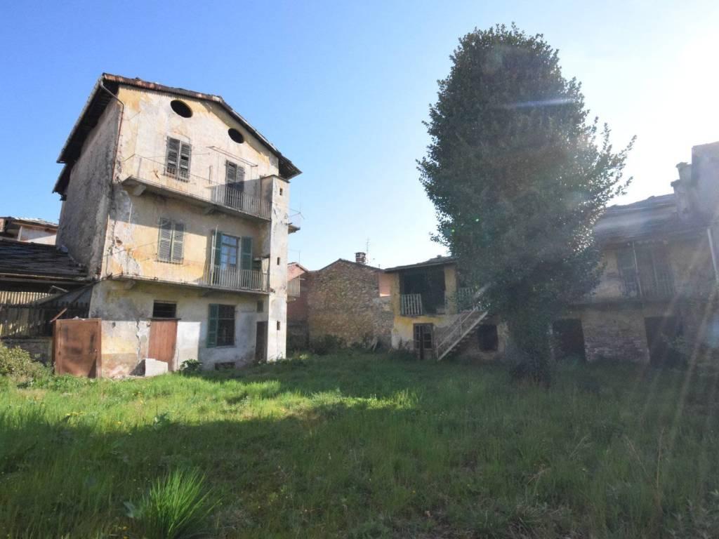 foto  Building corso Antonio Gramsci 22, Torre Pellice