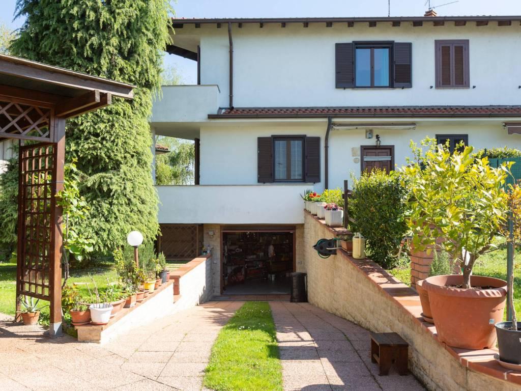 foto ESTERNA Terraced house via Gaetano Donizetti 15, Noviglio