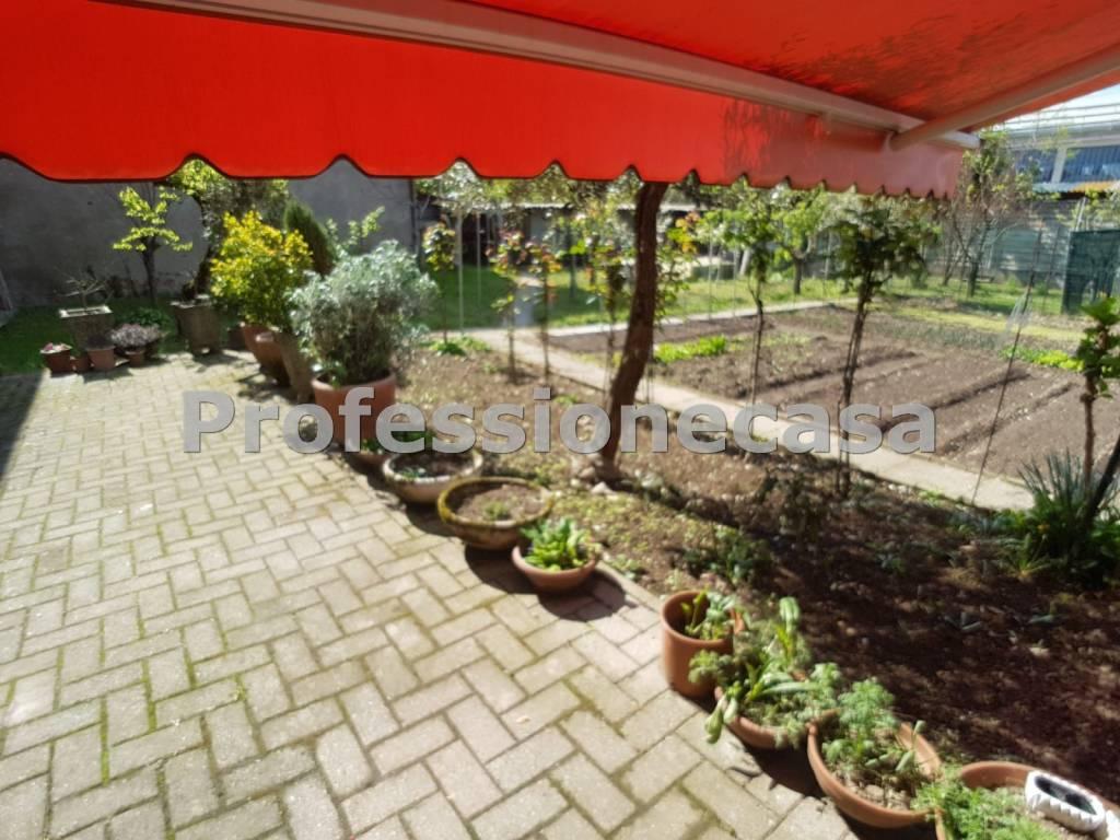 foto giardino Single family villa via Verbano 2, Abbiategrasso