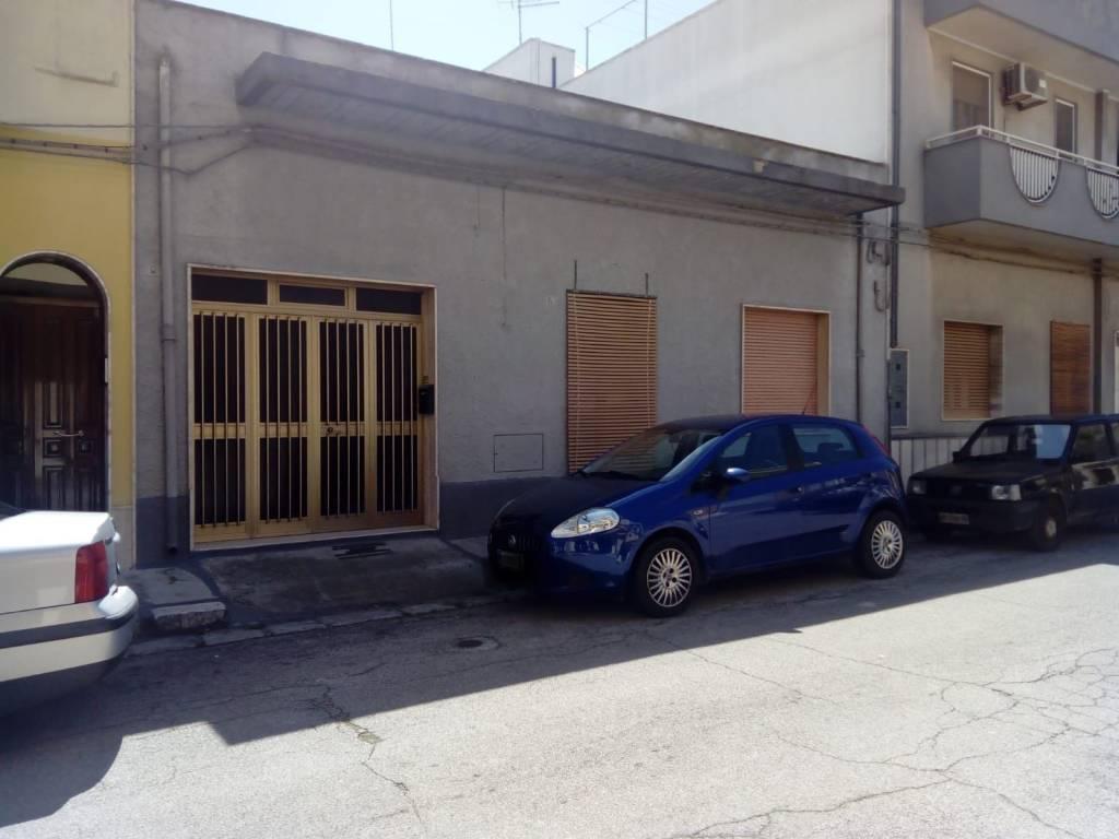 foto  Quadrilocale piazza Vittorio Emanuele II 1, Mesagne