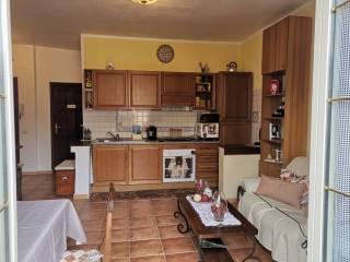 Vendita appartamento trevignano romano bilocale in via for Case in vendita trevignano romano