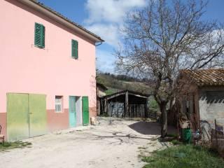Foto - Casa colonica via frazione Valle San Martino, Frazione Valle San Martino, Camerino