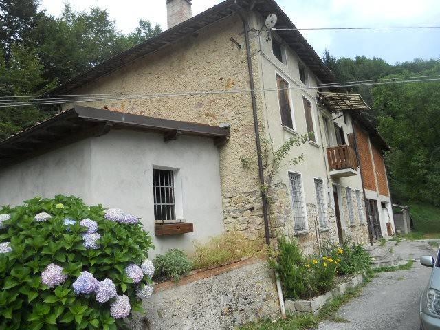 foto  Detached house 345 sq.m., good condition, Valli del Pasubio