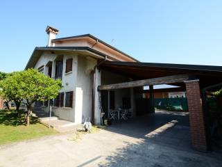 Foto - Villa unifamiliare via Alcide De Gasperi 6, San Colombano al Lambro