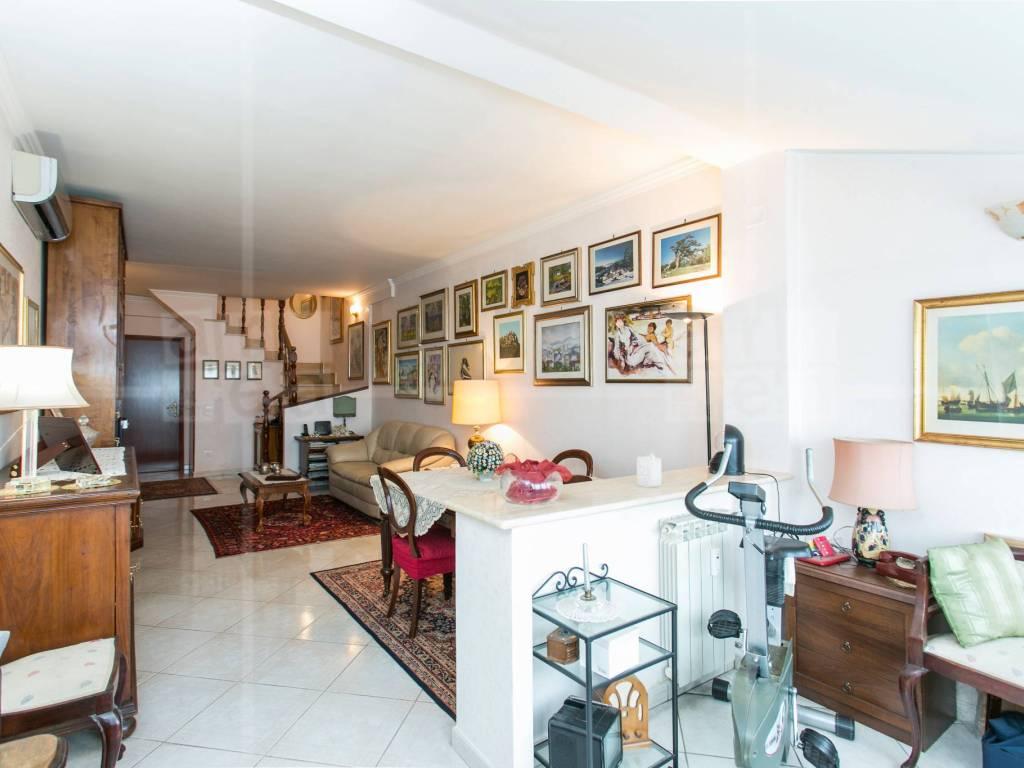Quadri Moderni Roma Vendita vendita attico in via gregorio ricci curbastro 34 roma