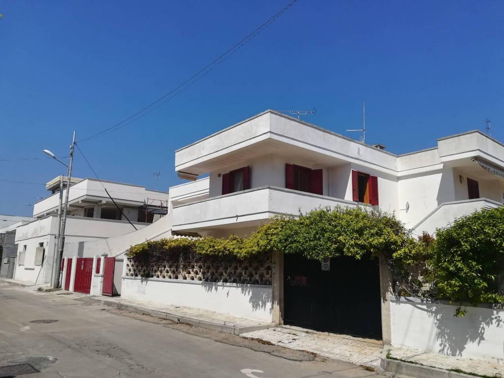 foto  Appartamento in villa via Giacomo Leopardi 2, Melendugno