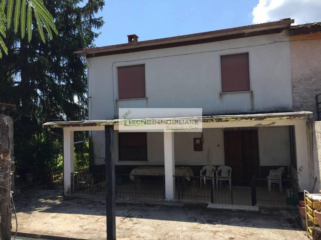 foto  Single-family townhouse via Macchione, Pico