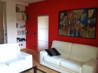 Foto - Trilocale via Piave 52, Sale
