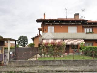 Foto - Trilocale via Gottardi Angelo, Capriolo
