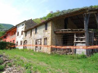 Photo - Country house, to be refurbished, 200 sq.m., Nanto